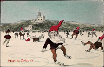 Imagen de unos duendes patinando con gorro rojo
