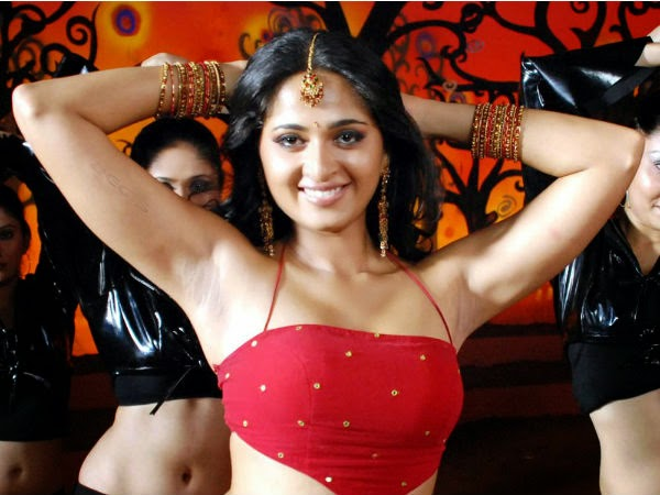 Actress Anushka Shetty Armpit Show Photos