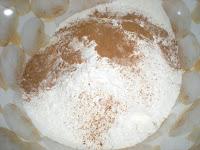 Harina, canela, levadura, bicarbonato