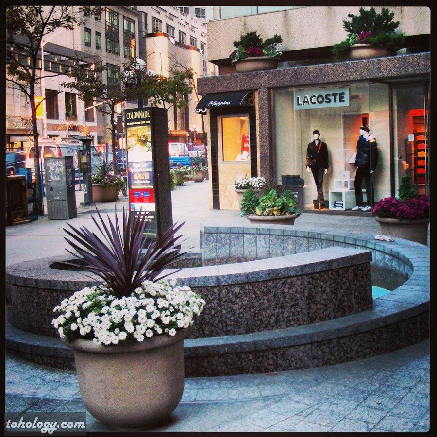 Shopping malls downtown Toronto