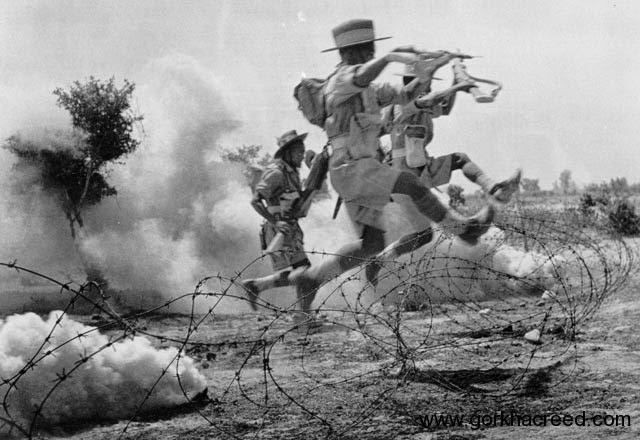 1939-45-WWII-4th-Gurkha-Rifles-leaping-into-battle