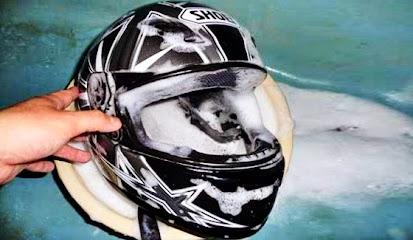 Tips Mencuci dan Membersihkan Helm Sendiri Dengan Benar