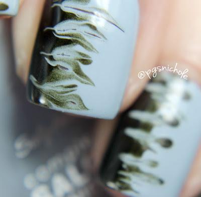 40 Great Nail Art Ideas: Pale Blue Base + Needle Drag