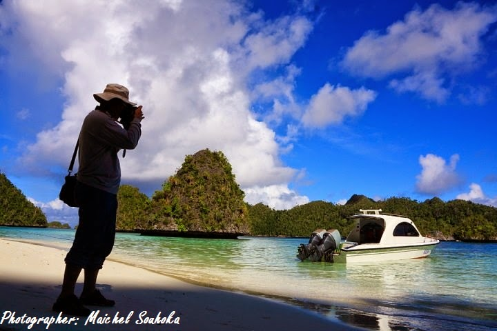 Having Beautiful Scenery in Raja Ampat