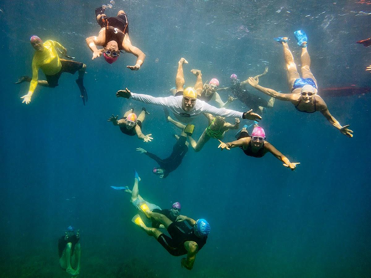 http://www.tropicallight.com/swim1/09mar14sm/09mar14sm.html