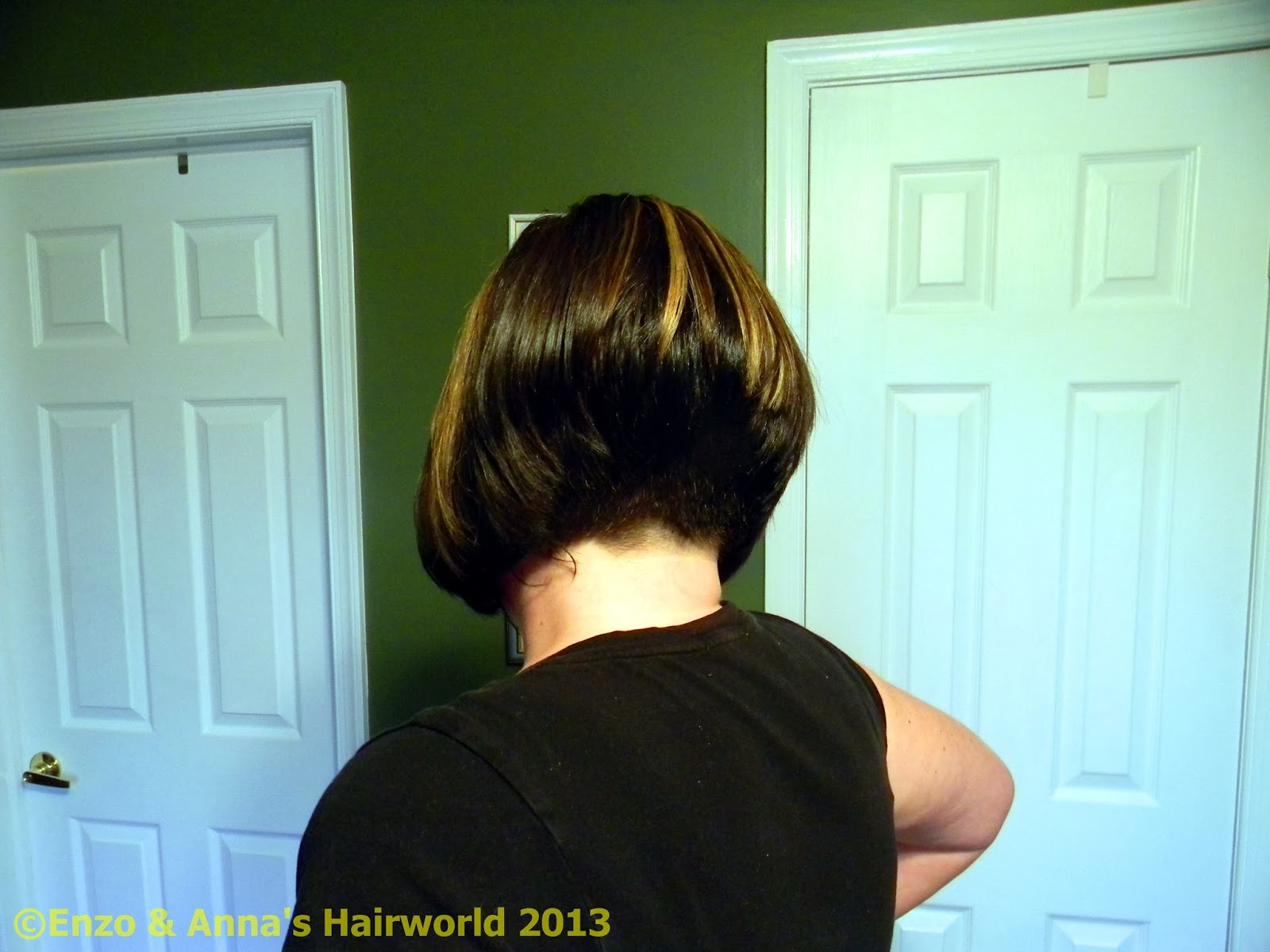 month later in March, I went back to the salon, not for a cut, but