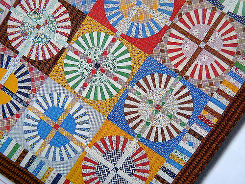 Red pepper quilts quiltmania for Red door design quilts