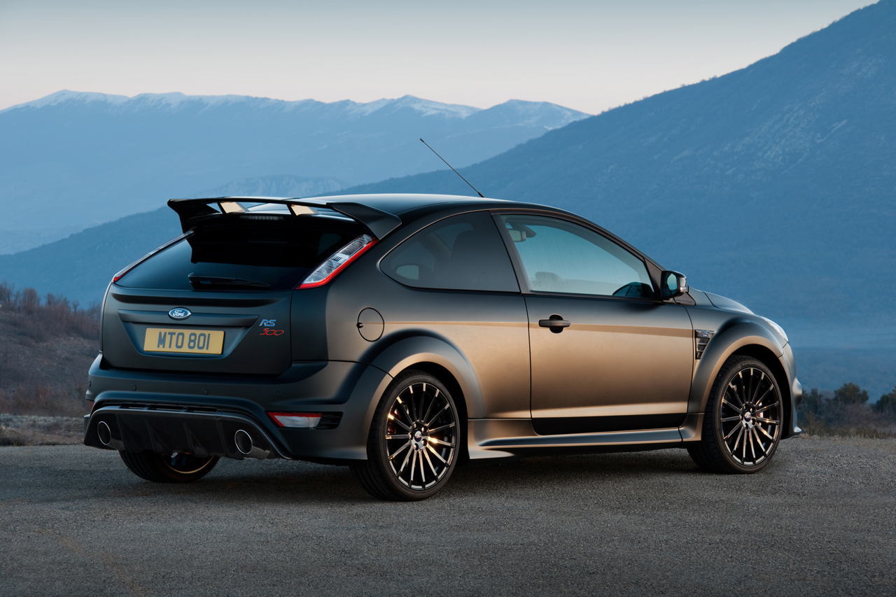 Sports Cars 2015: 2013 ford focus rs hot hatches