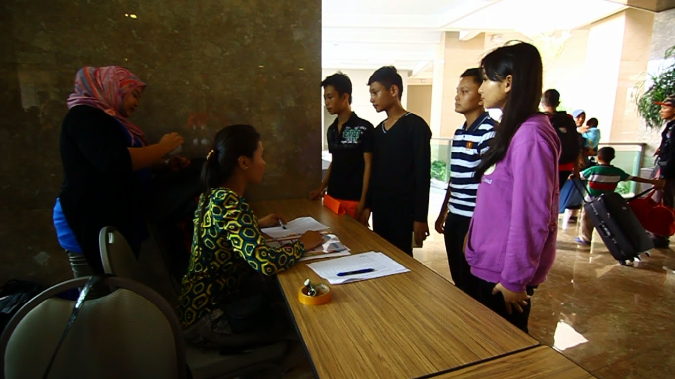 Sesi pendaftaran Kem Pembangunan Remaja Kreatif 2014 #kamera2014
