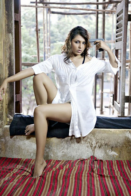 Madhu Shalini Hot Pictures
