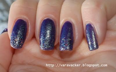 naglar, nails, nagellack, nail polish, glitter, gradient, svampning