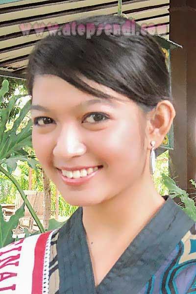 Foto Selvi Ananda (Menantu Presiden Joko Widodo)