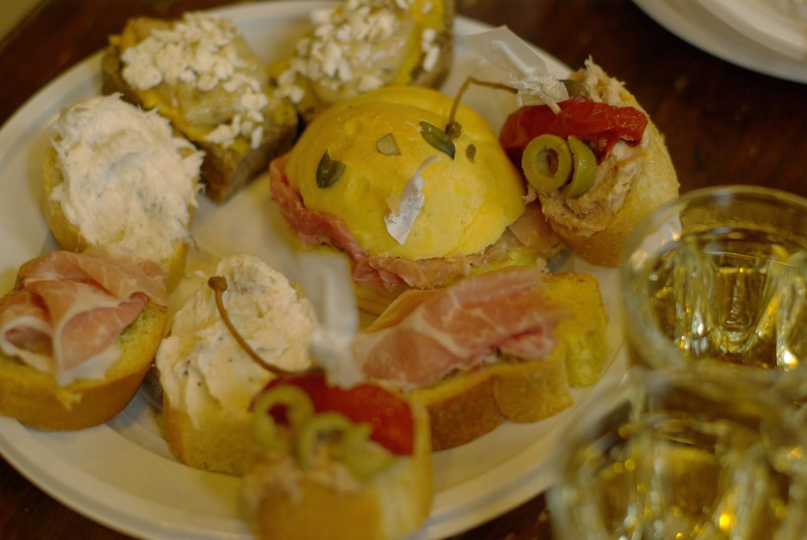 van-en-vadrouille-osteria-alsquero-venise-crostini