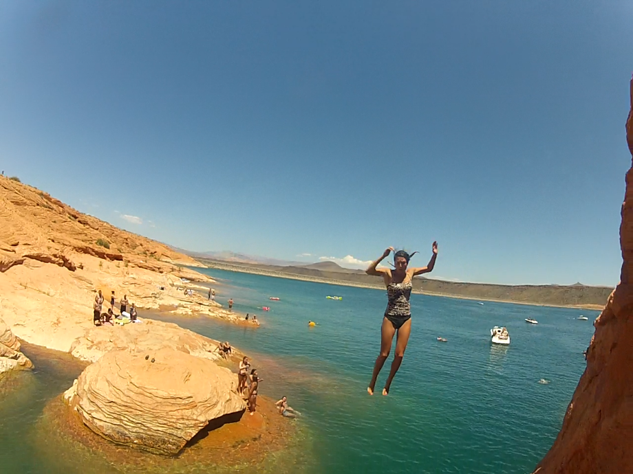 Canyon 39 s adventure craze sand hollow cliff jumping for Sand hollow swimming pool st george