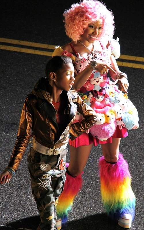 Bastidores do clipe da Willow Smith Fireball com Nicki Minaj