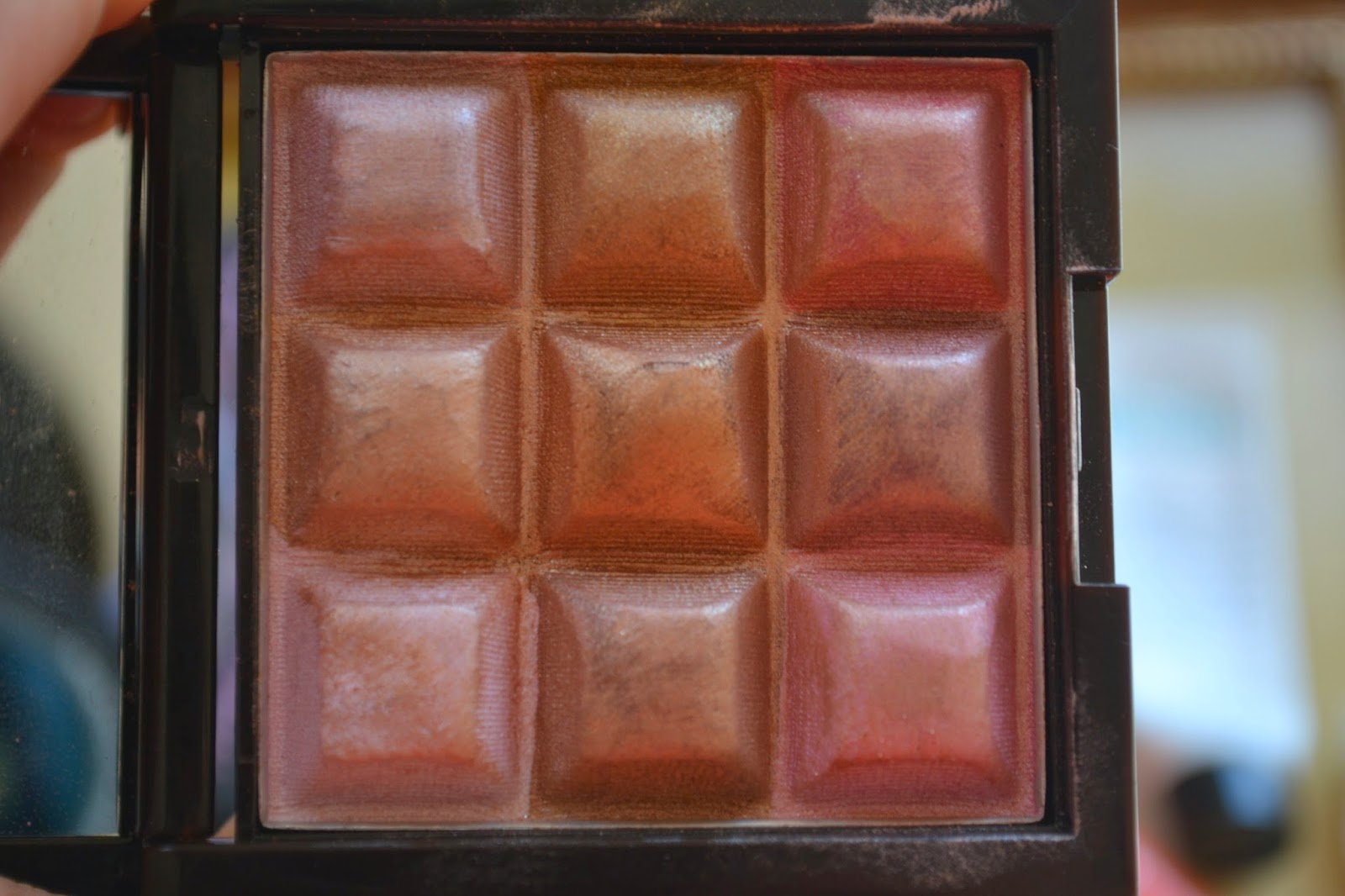 Touch & Glow Shimmer Cream Cubes All Over Face Palette