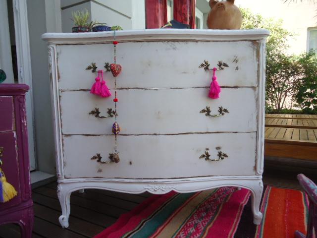 Vintouch muebles reciclados pintados a mano comoda - Comodas antiguas blancas ...