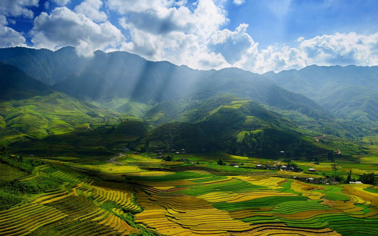 Download vietnam wallpapers most beautiful places in the for Most beautiful places in america nature