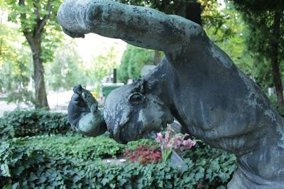 Spomenik obitelji Damaška-Petrović
