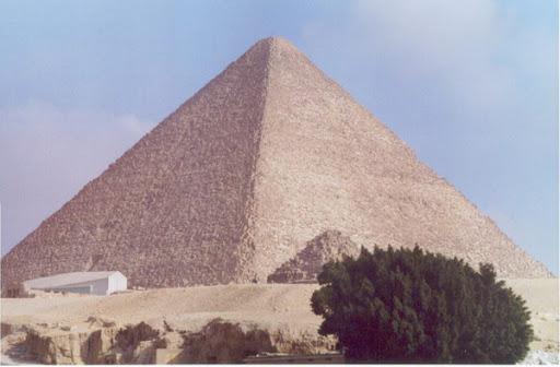 Vandalisme de la pyramide de Khéops