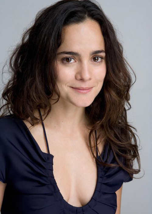 Alice Braga Hairstyle 4