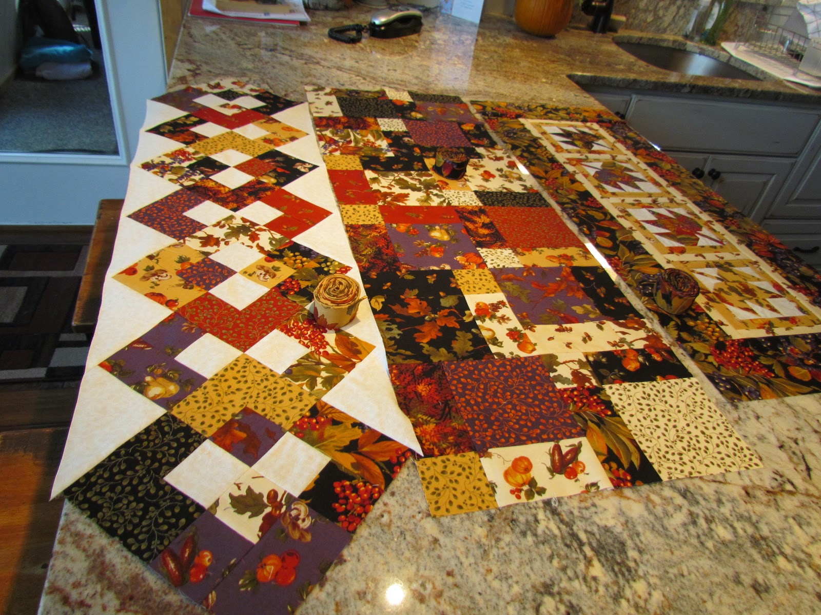 Mania runner table Table Runner  fall free patterns