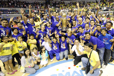 ropang Texters hold the trophy of victory