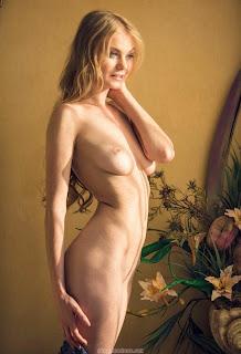cumshot porn - feminax-sexy-nancy-sensual-poses-in-beauty-and-wild-desire-13-797204.jpg