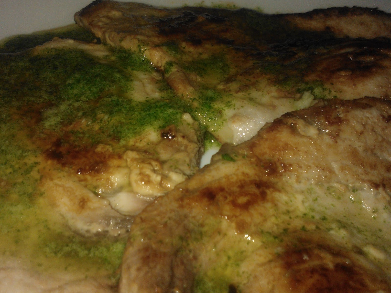 El fogon de ali pez espada en salsa de perejil for Pez espada fresco