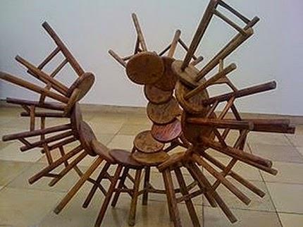 http://www.alejandradeargos.com/index.php/es/completas/32-artistas/259-ai-weiwei-biografia-obras-y-exposiciones