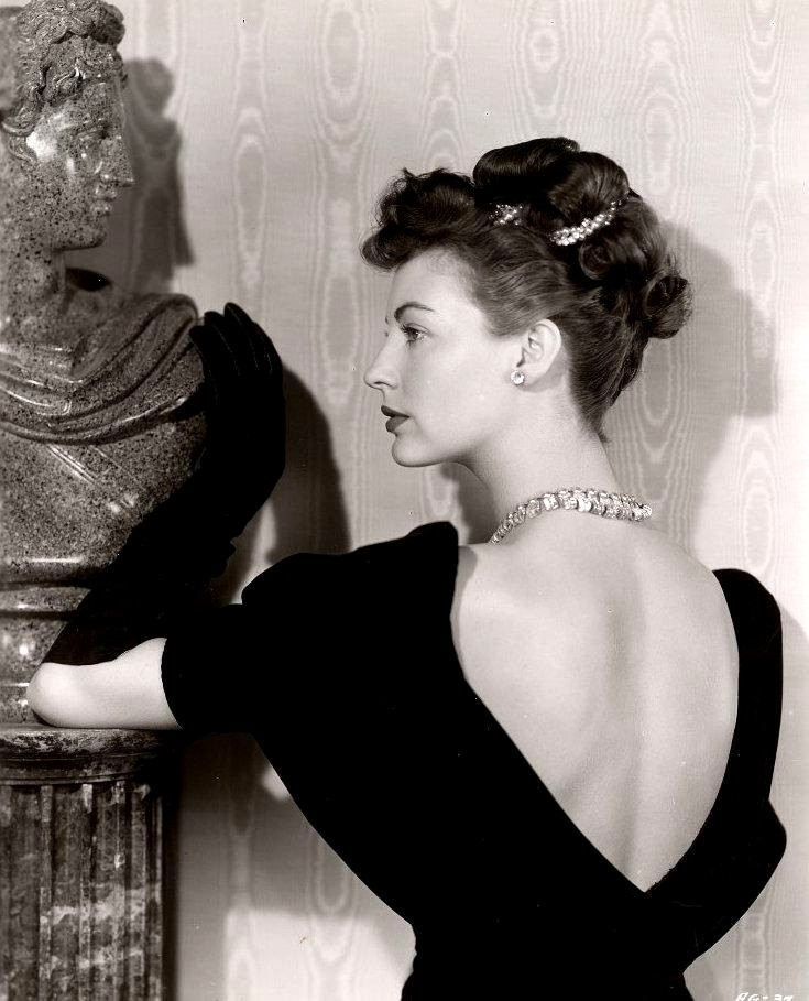 Love those classic movies in pictures ava gardner for Classic love pictures