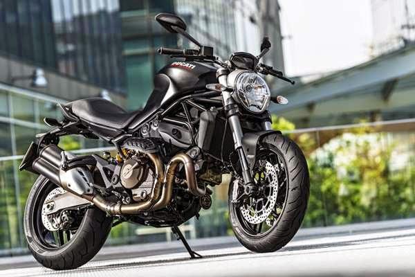 Foto Ducati Monster 821 Hitam Motor Sangar Sportif Garang