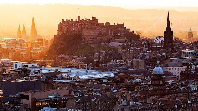 Edinburgh Castle Scotland United Kingdom city houses buildings dawn HD Wallpaper