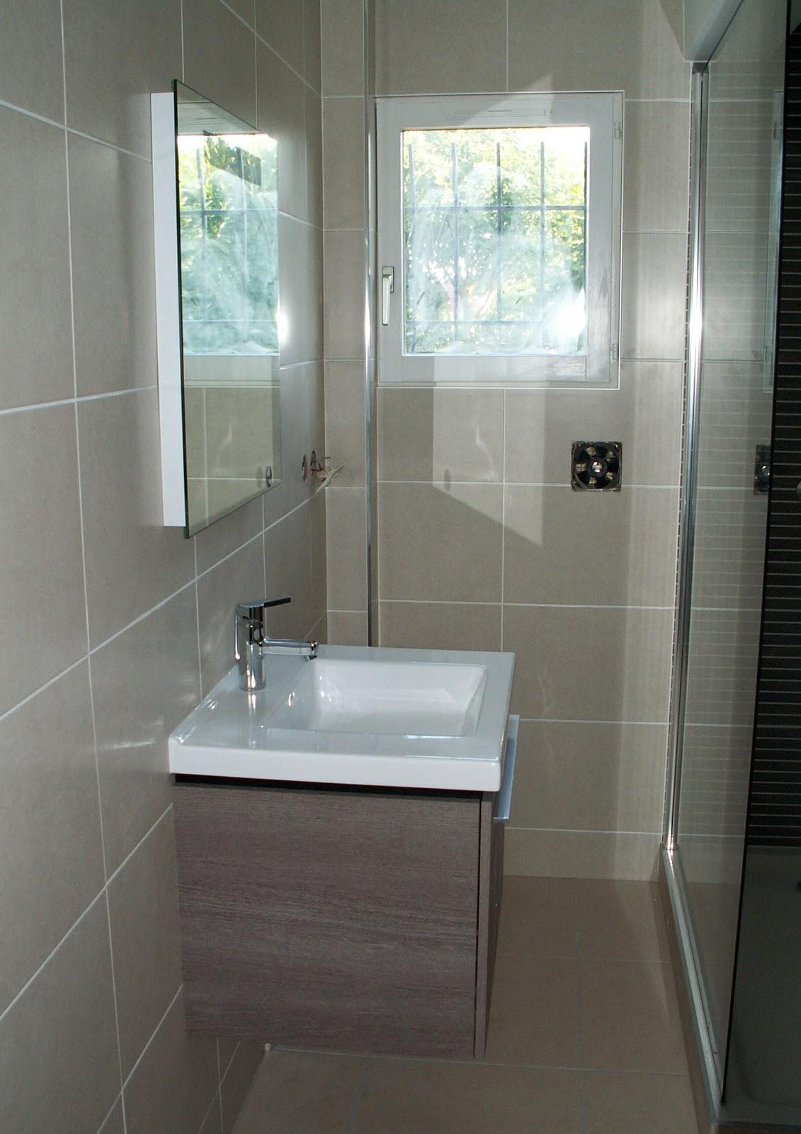 Salle de douche avec toilette julienbugnetcarrelage for Carrelage aubade