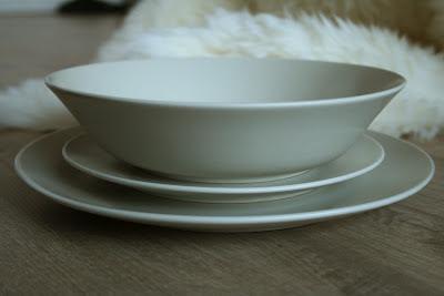 Assiette beige