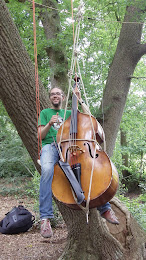 De bassist Jonathan