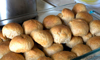 http://foodiefelisha.blogspot.com/2013/04/the-dinner-roll.html