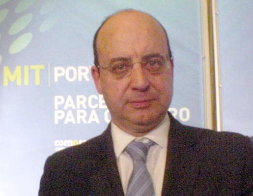 """Angola: """"50% DOS QUADROS IMPORTADOS TEM PERFIL ERRADO"""""""