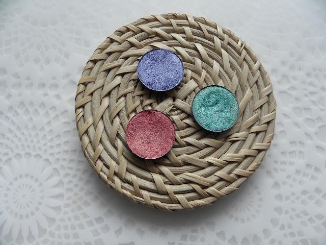 Kolorowe trio od KOBO | Cienie idealne na lato