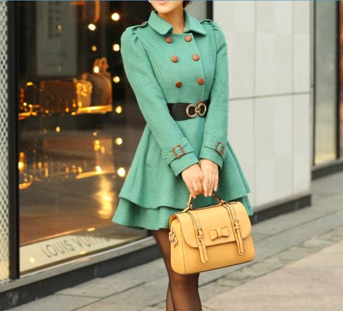 Trench Green Winter Coat and Suitable Amazing Handbag