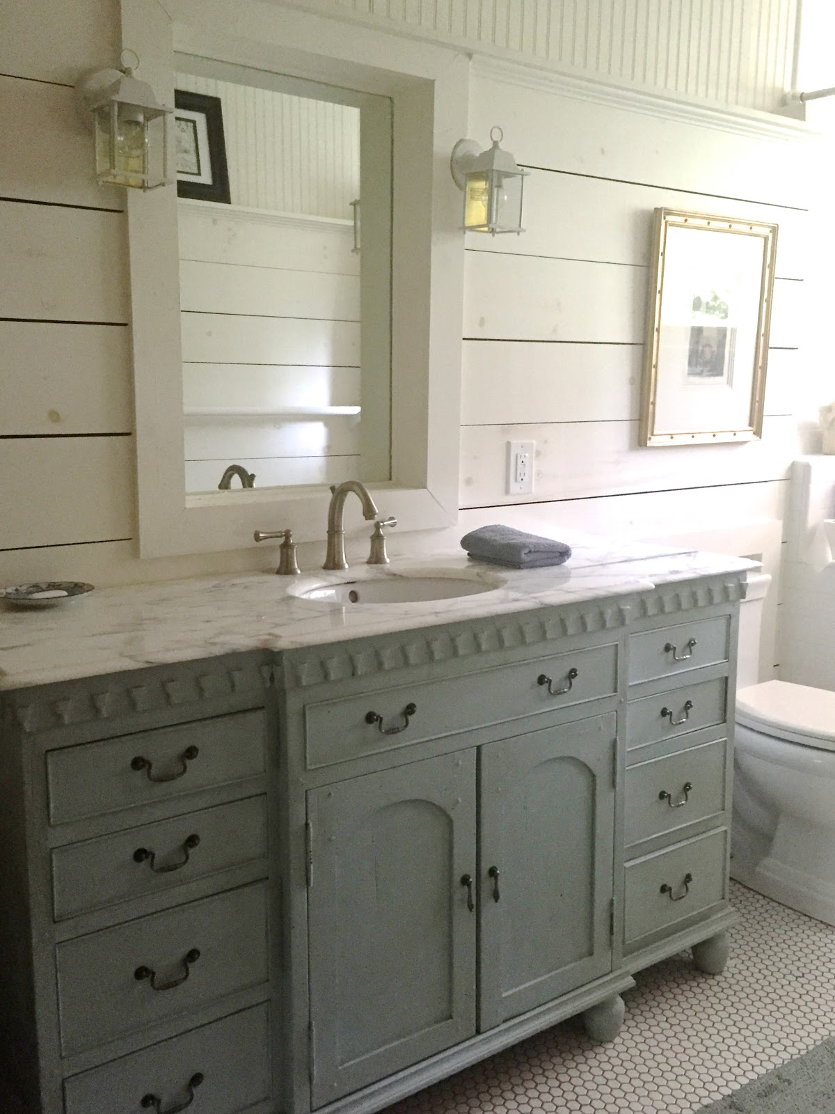 Bath vanities design indulgence - Small cottage style bathroom vanity design ...