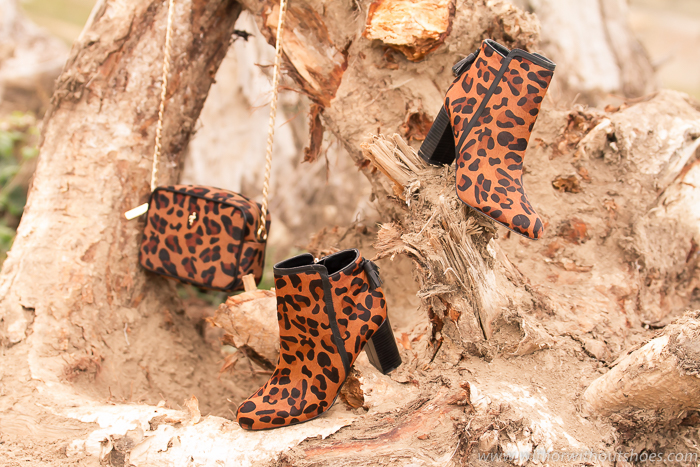 Blog Adictaaloszapatos Regalos Botines y bolso de piel pelo estampado leopardo Menbur