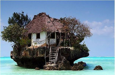 Restaurante en Zanzibar en Tanzania (Africa). Accesible sólo por barco.