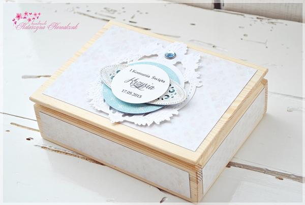 drewniane pudełko na zdjęcia komunia święta, folder na płytę