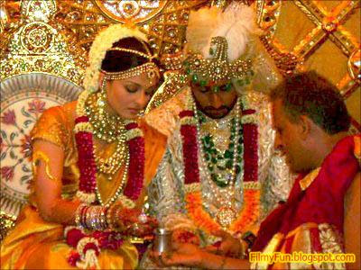 abhishek_bachchan_aishwarya_rai_bollywood_famous_wedding_FilmyFun.blogspot.com