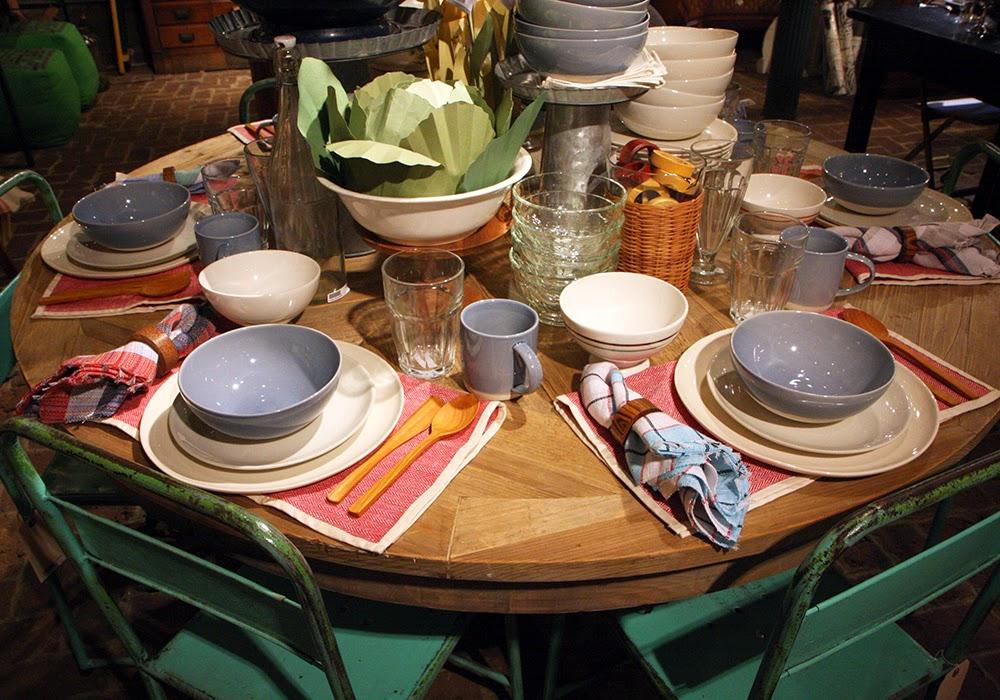 The paris market brocante a table tout le monde for A table tout le monde