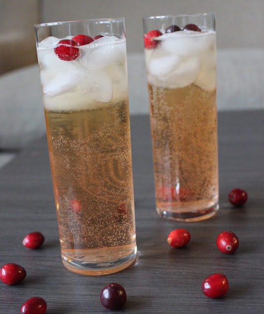 Merry Cranberry Cocktails | A Hoppy Medium