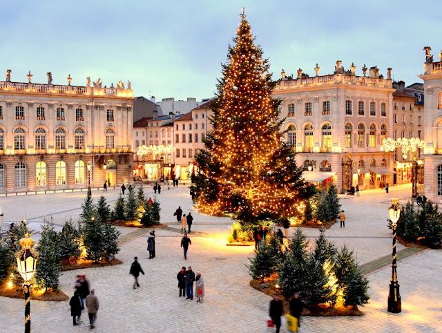Ambiance de Noël : place Stanislas à Nancy