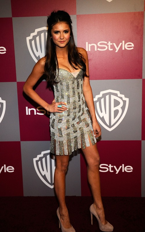 NOTRE FUTUR (NEWS) - Page 23 Nina-Dobrev-Leggy-in-a-Shiny-Dress