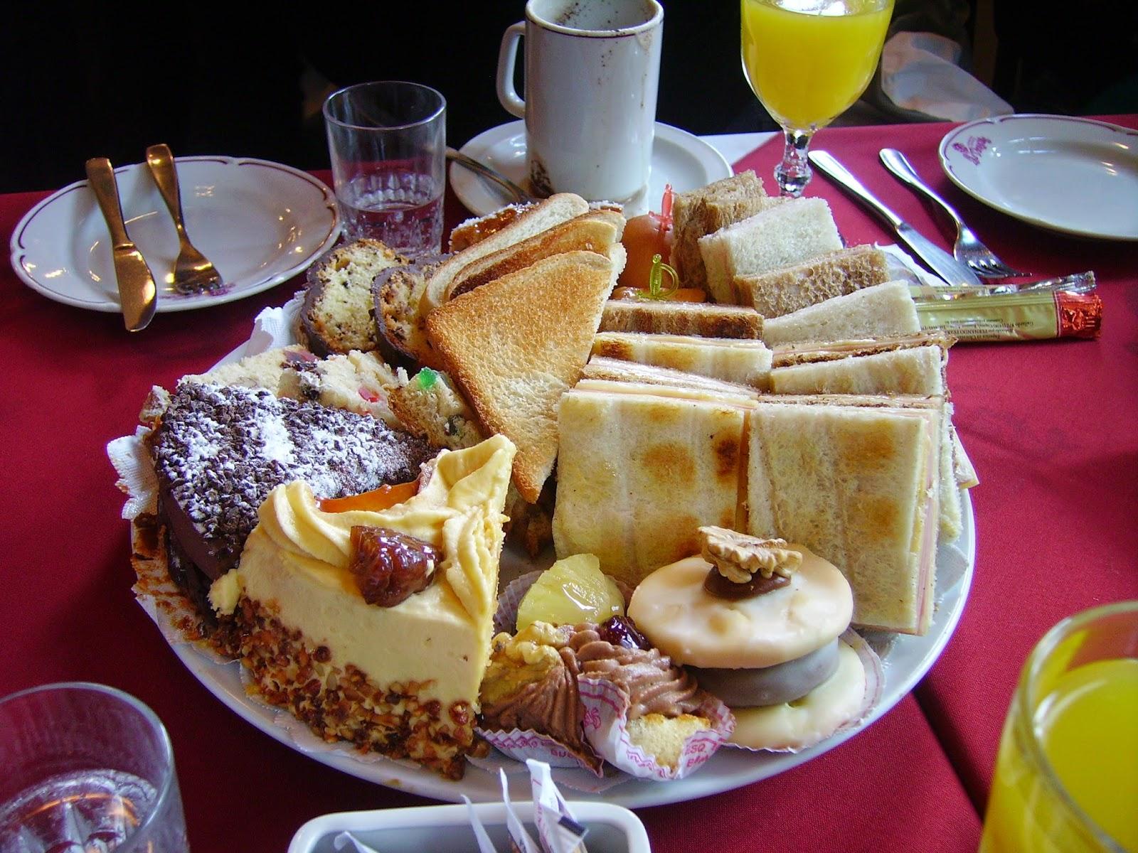 café da manhã delicioso - Confeitaria Las Violetas - Buenos Aires